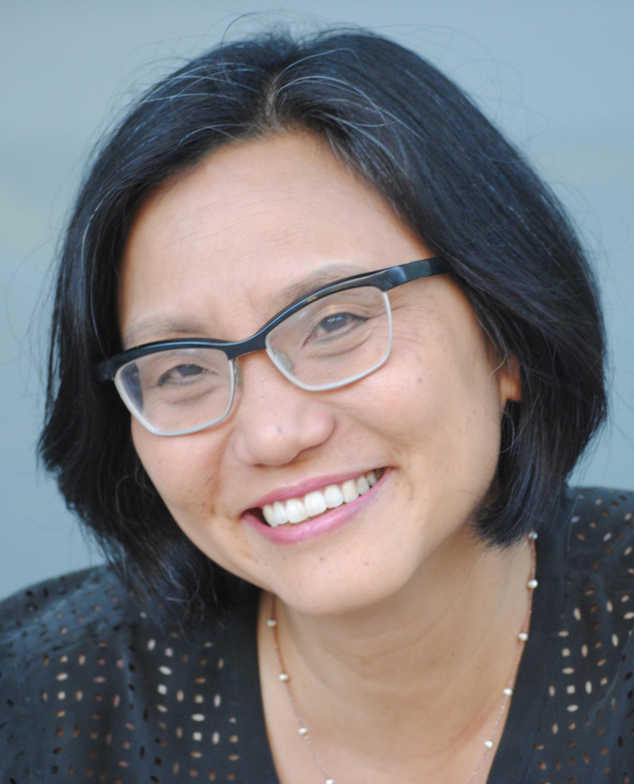 Linda Sue Park's bio photo